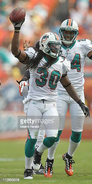 The Miami Dolphins' safety Chris Clemmons recovered a fumble in the first quarter against the Tennessee Titans The Miami Dolphins defeated the...