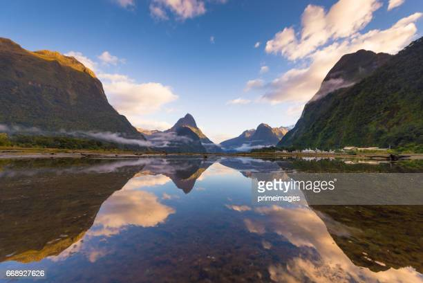 the milford sound fiord. fiordland national park, new zealand - wilderness stock photos and pictures