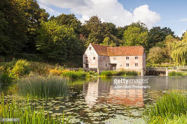 the mill on the river stour at sturminster newton - dorset england stock pictures, royalty-free photos & images