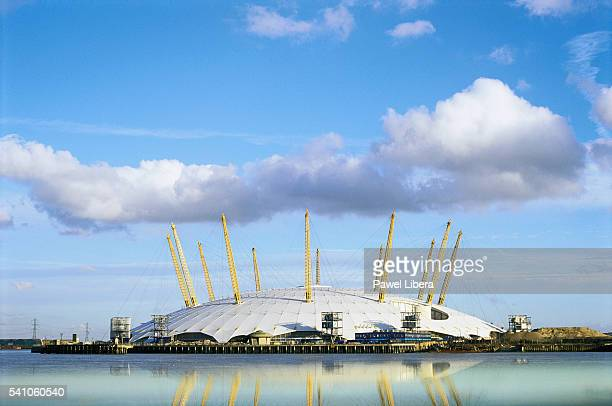 the millennium dome in london - the o2 england stock pictures, royalty-free photos & images