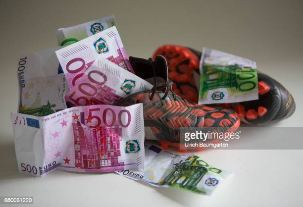 The million game Soccer players on the world market Symbol phote on the topics transfer fees premiums player transfers etc The photo shows 500 and...