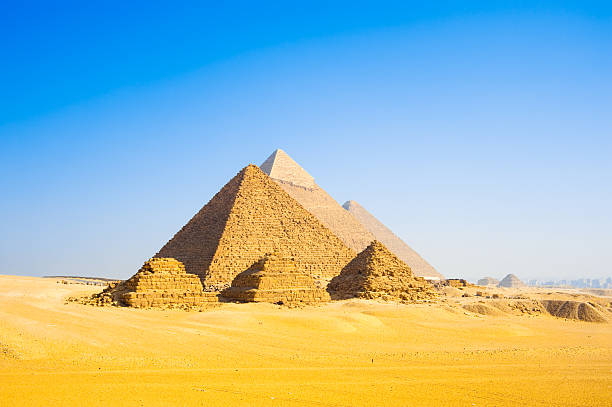 5 paragraph essay egyptian pyramids Ancient egypt essaysancient egypt is a wonderful land of mystery people today still have no idea how to duplicate some of the achievements of ancient egyptians egypt became a great civilization due to many things, but there were three that seem to stand out above the rest.