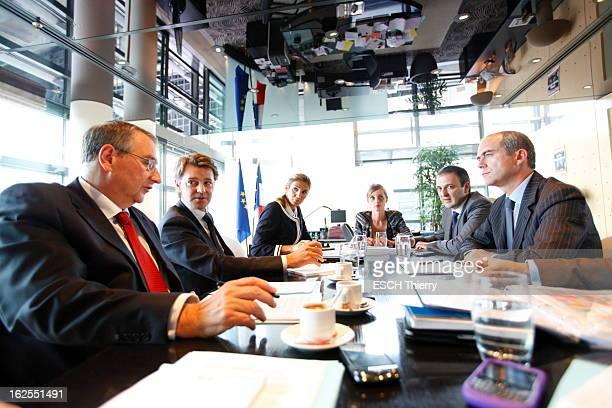 The Minister Of Economy Francois Baroin Paris lundi 19 septembre 2011 16h20 le ministre de l'Economie François BAROIN dans son bureau à Bercy lors...