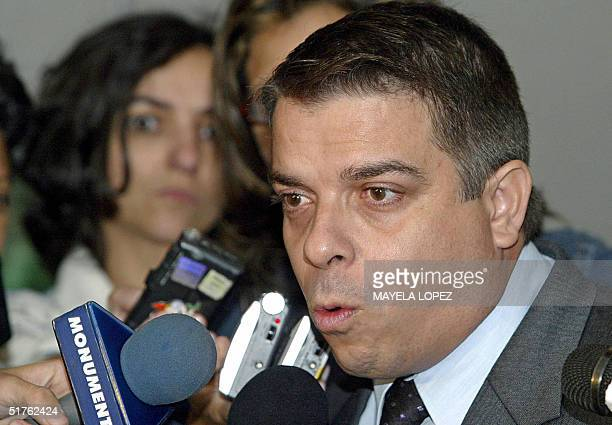 The Minister of Foreign Affairs of Cuba Felipe Perez Roque talk during a press conference 18 November 2004 at the Herradura Hotel in San Jose Costa...