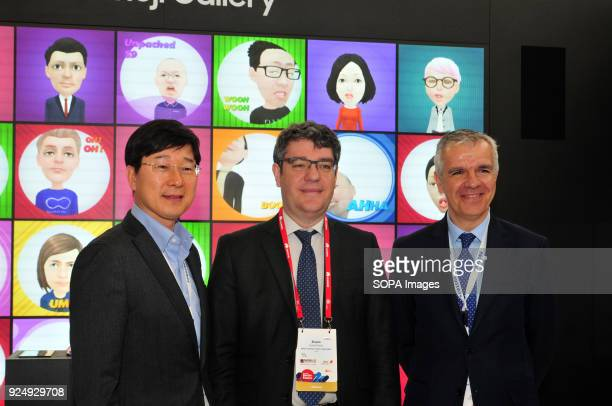 CATALONIA SPAIN The Minister of Tourism Energy and Digital Agenda Alvaro Nadal seen visiting the Mobile Word Congress while posing for a picture with...