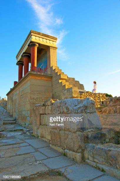 the minoan palace of knossos, knossos, heraklion, crete, greek islands, greece, europe - herakleion stock photos and pictures
