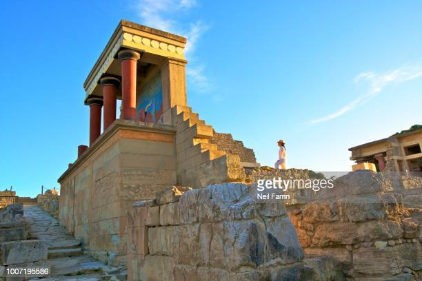 the minoan palace of knossos, knossos, heraklion, crete, greek islands, greece, europe - creta fotografías e imágenes de stock