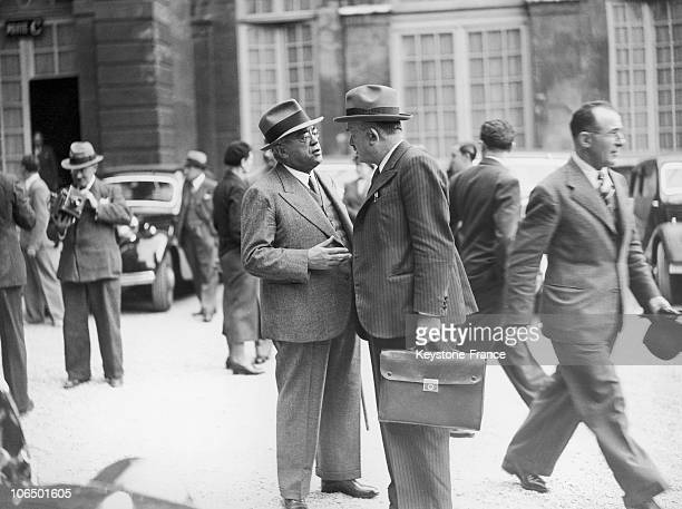 The Minsiter For Justice Speaking With The State Minister Sarraut Of The Chautemps Government In The Yard Of Matignon After A Council Of Ministers On...