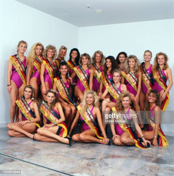 The Misses of Germany, 1988/1989 together with the winner the Model and Miss Germany, 1988/1989 Nicole Reinhardt, Germany Cologne 1989.