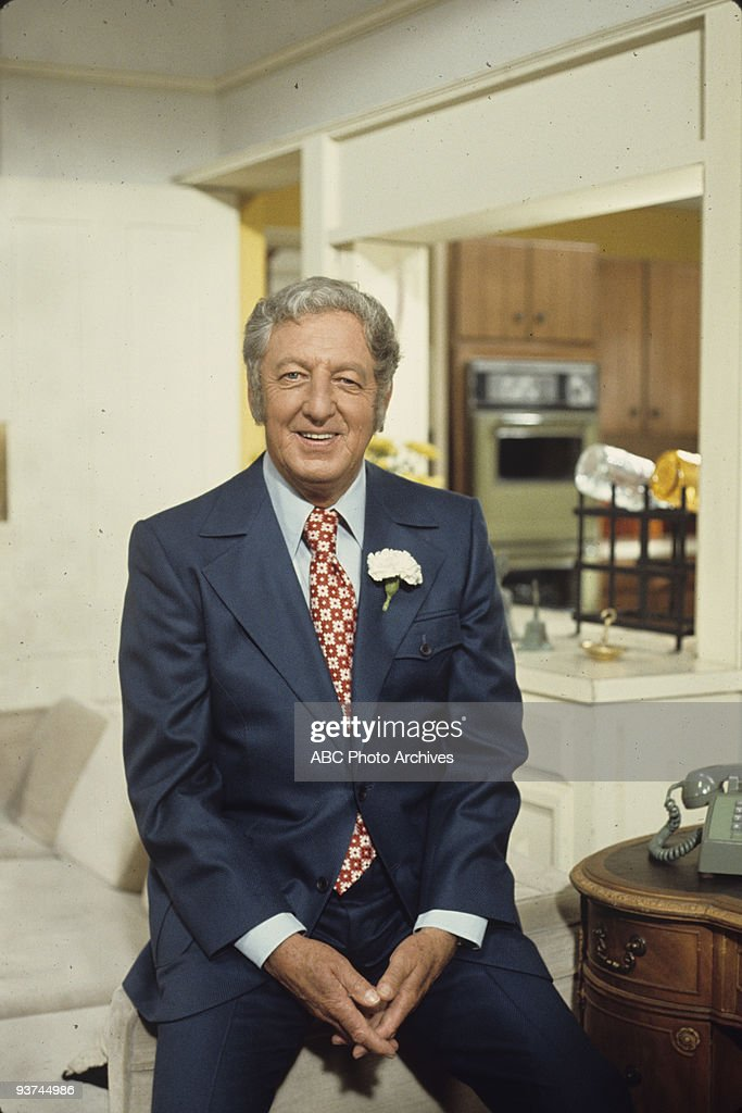 FAMILY - 'The Mod Father' 10/27/72 Ray Bolger
