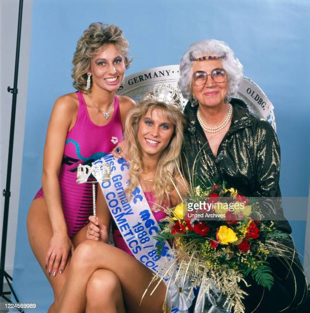 The model and Miss Germany, 1988/1989 Nicole Reinhardt with Miss North sea 88/89 after her coronation and the Princess Erina of Saxony, Germany...