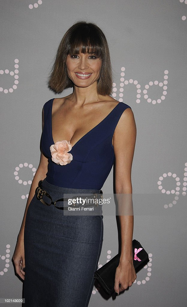 The model Juncal Rivero, Miss Spain 1984, gives her support to the flight against the breast cancer, held on October 19, 2009, discoteque 'Pacha', Madrid, Spain. (Photo by Gianni Ferrari/Gety Images