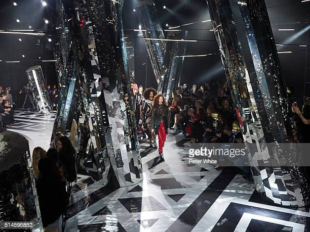 the models walks the runway during the Louis Vuitton show as part of the Paris Fashion Week Womenswear Fall/Winter 2016/2017 on March 9 2016 in Paris...