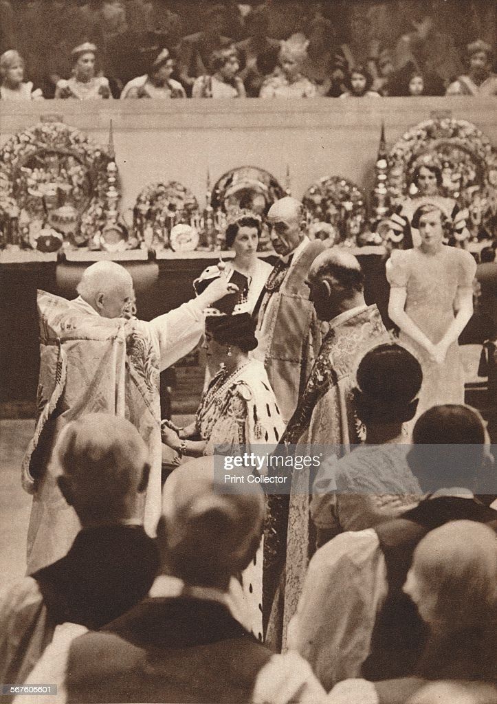 'The crowning of Queen Elizabeth, wife of King George VI', 1937 : News Photo