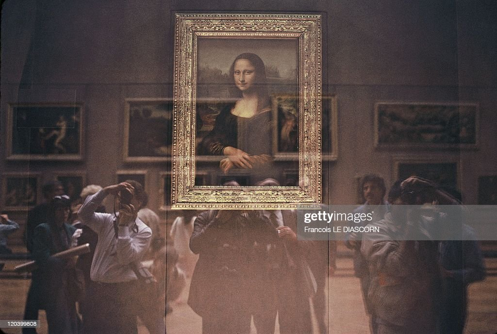 The Mona Lisa At The Louvre Museum, In Paris, France In October, 2001 - : News Photo