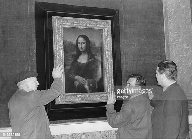 The Mona Lisa is packed for the transport to Washington Louvre Paris December 1962 Photograph