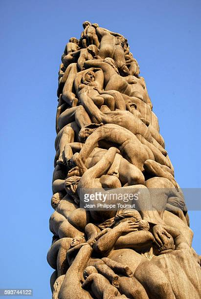 the monolith of vigeland sculpture park in oslo, norway - gustav vigeland sculpture park stock pictures, royalty-free photos & images