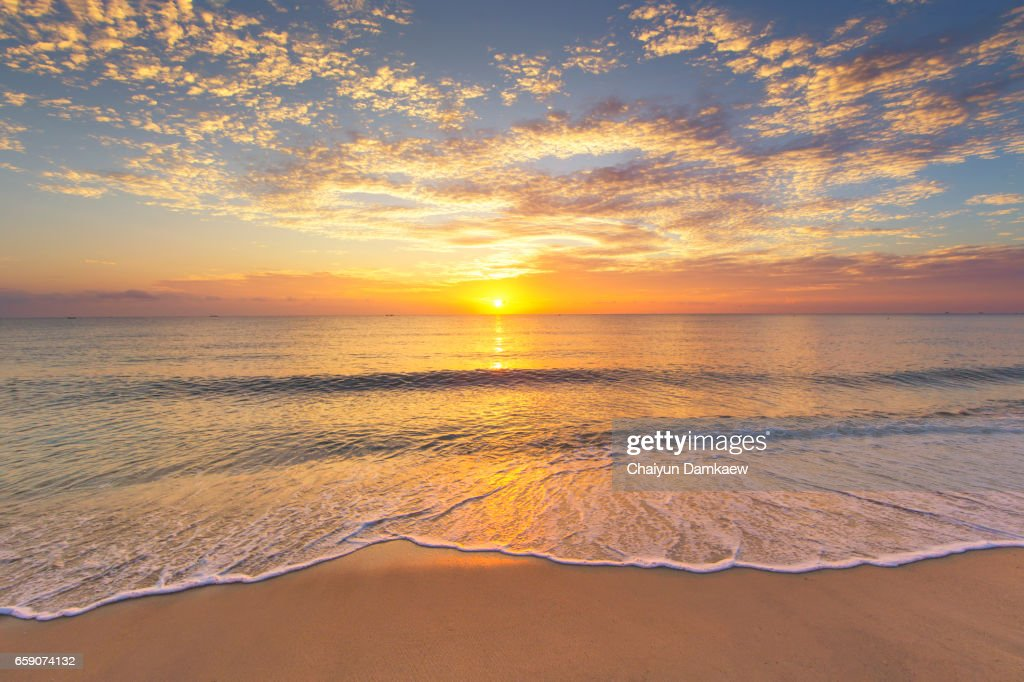 The morning sun at the seaside with a beautiful light. : Stock Photo
