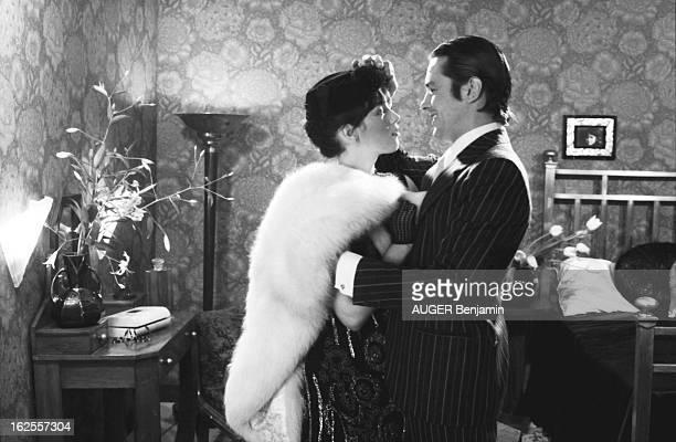 The Most Expensive Couple Of French Movie Business Séance photo réunissant le couple le plus cher du cinéma français Isabelle ADJANI en chapeau à...