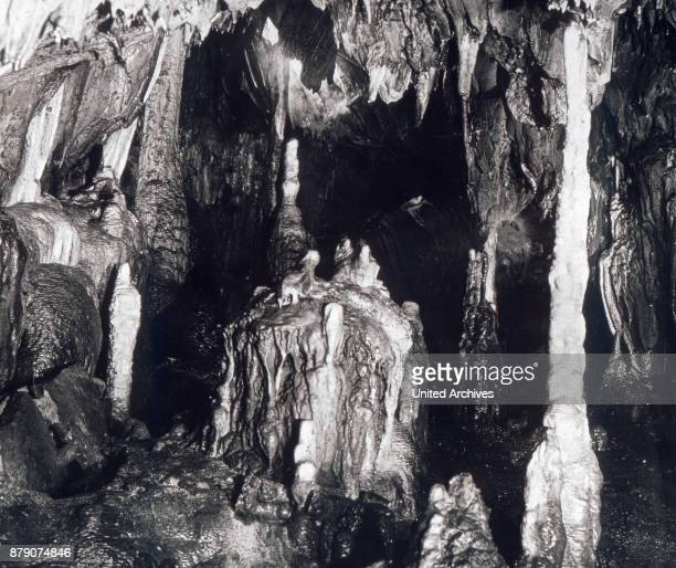 The most famous cave of the Sauerland is the Dechenhšhle at Lethmate It belongs to the kingdom of railway and was discovered by accident in 1868 by...