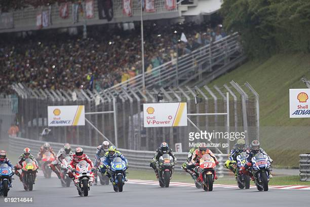 The MotoGP riders start from the grid during the MotoGP race during the MotoGP Of Malaysia Race at Sepang Circuit on October 30 2016 in Kuala Lumpur...