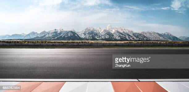 the motor racing track - motor racing track stock pictures, royalty-free photos & images
