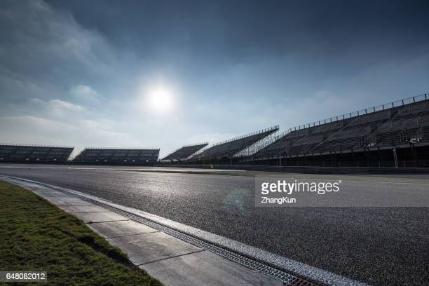 the motor racing tracks - circuito de carreras de coches fotografías e imágenes de stock