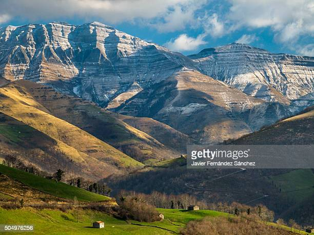 the mountainous landscape of cantabria, with the mountain of castro valnera. spain. - カンタブリア ストックフォトと画像