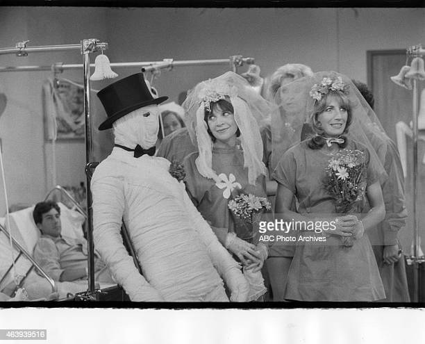 """The Mummy's Bride"""" - Airdate: September 28, 1982. EXTRAS;CINDY WILLIAMS;LESLIE EASTERBROOK ;PENNY MARSHALL"""