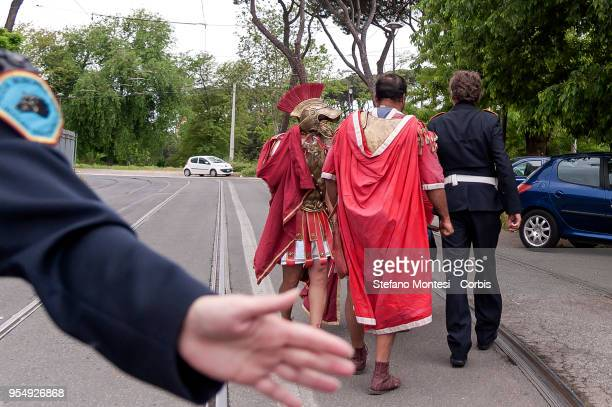 The municipal police expels the Centurions who have declared themselves Jews who have interrupted the flashmob at Colosseum for the freedom and...