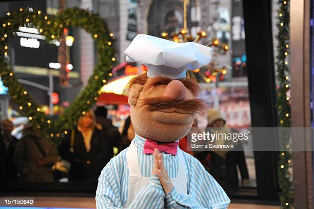 AMERICA The Muppets take over 'Good Morning America' 11/27/12 airing on the ABC Television Network SWEDISH