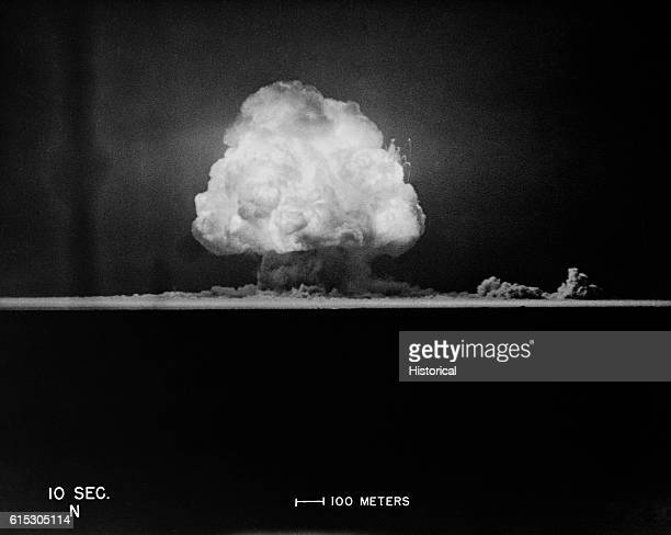 The mushroom cloud of the Trinity test in New Mexico | Location Alamagordo New Mexico USA