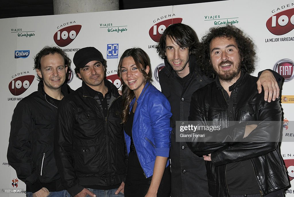 The musical group 'La Oreja de Van Gogh' before aconcert in benefit of the victims of the earthquake of Haiti, organized by the radio station 100, 24th April 2010, Palace of Sports, Madrid, Spain.