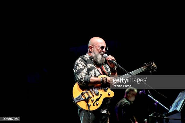 The musician and singersongwriter Sergio Caputo arrived at Porta di Roma Live