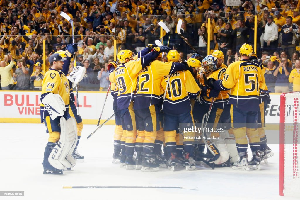 The Nashville Predators celebrate after defeating the Anaheim Ducks 6 to 3 in Game Six of the Western Conference Final during the 2017 Stanley Cup Playoffs at Bridgestone Arena on May 22, 2017 in Nashville, Tennessee.