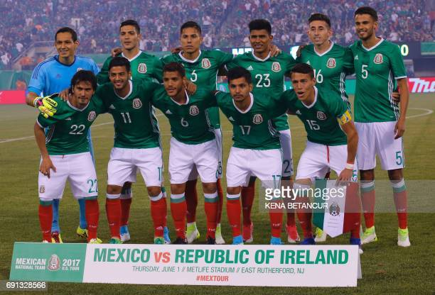 The national soccer team from Mexico poses for a photo before the friendly match between Mexico and the Republic of Ireland on June 1 2017 at MetLife...