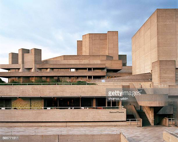 the national theatre building in london - ロンドン サウスバンク ストックフォトと画像