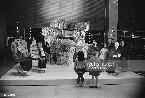 The Nativity Scenes Of Cesar And Dali Installed In The Orly Terminal For Christmas 1966 Orly novembre 1966 les 65 crèches de Noël 1966 dressées dans...