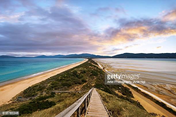 the neck of bruny island, south eastern coast of tasmania, australia - tasmania stock pictures, royalty-free photos & images