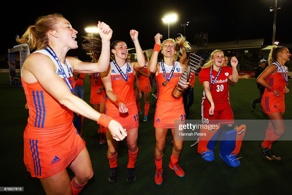The Netherlands celebrate after winning the Hockey World League final between New Zealand and Netherlands at Rosedale Park on November 26, 2017 in Auckland, New Zealand.