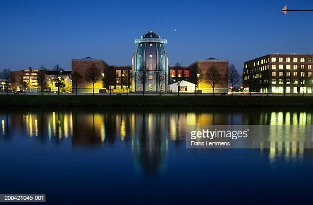 the netherlands, limburg,  maastricht, bonnefanten museum, dusk - マーストリヒト ストックフォトと画像