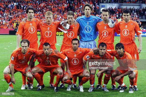 The Netherlands players Ruud van Nistelrooy Dirk Kuyt Theo Lucius Edwin van der Sar Barry Opdam Mark van Bommel Arjen Robben Johnny Heitinga Denny...