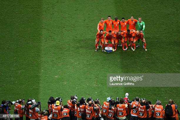 The Netherlands pose for a team phot prior to the 2014 FIFA World Cup Brazil Quarter Final match between the Netherlands and Costa Rica at Arena...
