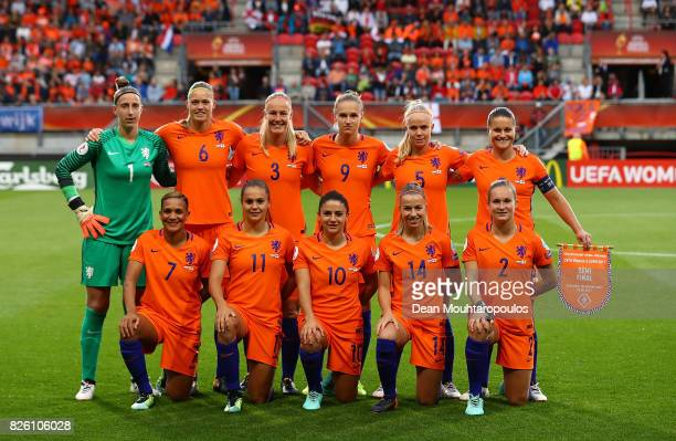 The Netherlands team pose for a picture ahead of the UEFA Women's Euro 2017 Semi Final match between Netherlands and England at De Grolsch Veste...