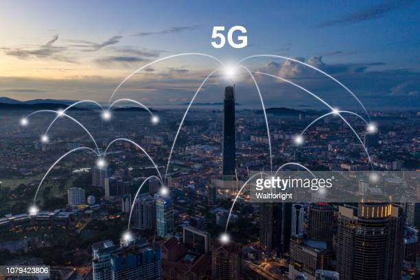 the network of city in kuala lumpur - 5g foto e immagini stock