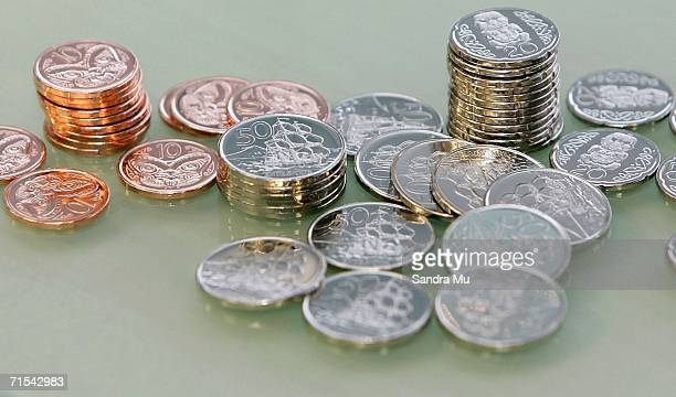 The new 10 50 and 20 cent pieces which began circulation for the first time today are pictured July 31 2006 in Auckland New Zealand From today the 50...