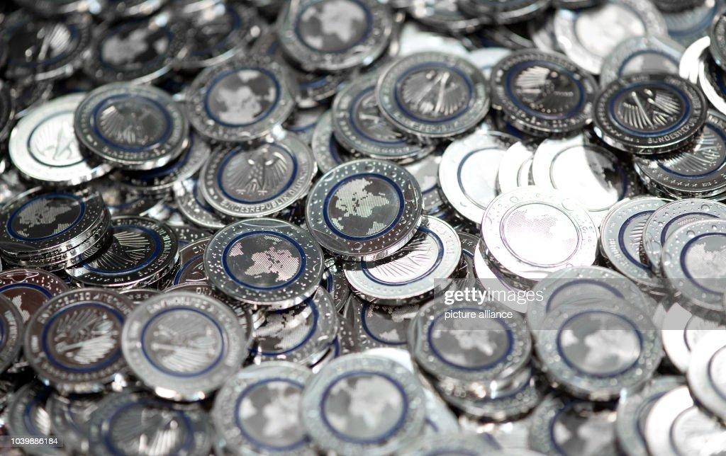 New 5 Euro Coins News Photo