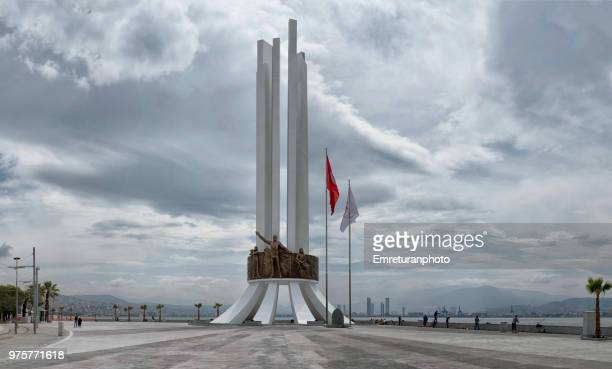 the new ataturk monument at karsiyaka on a cloudy day. - izmir stock pictures, royalty-free photos & images