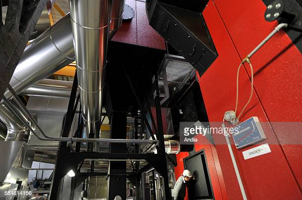 The new biomass heating plant composed of two woodfuel boilers provides heating to the western district of Bellevue in Nantes and was inaugurated on...