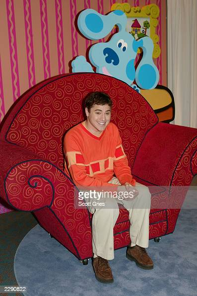 Blues Clues Thinking Chair New Blue's Clues Host ...